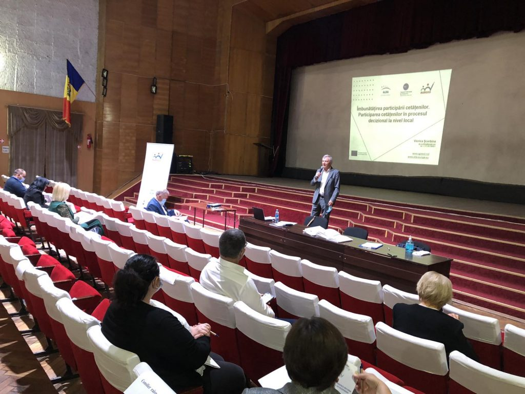 Trainings in Nisporeni, Straseni and Dubasari